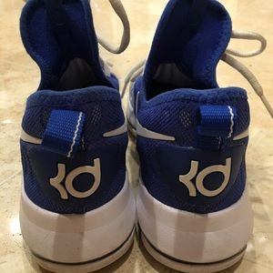 Nike KD big boys size 6 youth shoes